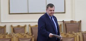 Каракачанов: Да правят колажи, окуражавам ги