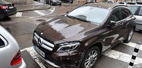 Жена се вряза с автомобила си в магазин в центъра на София (ВИДЕО)