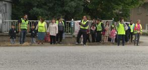 Жителите на Поликраище спасиха училището си