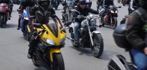 """ОТ """"МОЯТА НОВИНА"""": Рев на мотори в центъра на Варна (ВИДЕО+СНИМКИ)"""