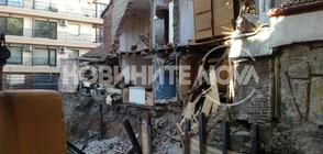 Срути се част от къща в центъра на Пловдив (СНИМКИ)