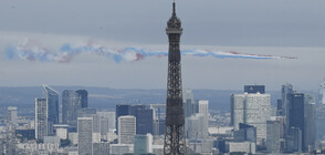 Франция отбеляза националния си празник с церемония в чест на борещите се с коронавируса