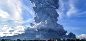 Вулкан изригна на остров Суматра, остави хиляди без дом