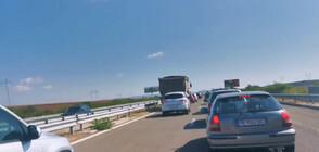"""Задръствания по """"Тракия"""" заради няколко катастрофи (ВИДЕО)"""