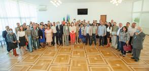 Захариева се срещна с българската общност в Украйна (СНИМКИ)