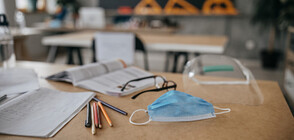 Още двама учители с коронавирус в София