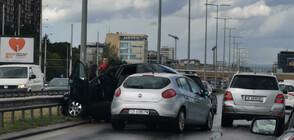 """Верижна катастрофа затрудни движението по """"Цариградско шосе"""" (СНИМКИ)"""
