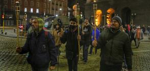 Факелно шествие в 111-тата вечер на протести (ВИДЕО+СНИМКИ)