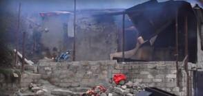 Жители на Нагорни Карабах палят къщите си (ВИДЕО)