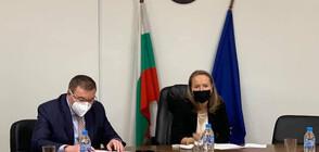 Здравният министър на спешна среща с шефовете на болници в Пловдив