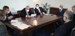 Борисов и Националният оперативен щаб проведоха извънредно заседание