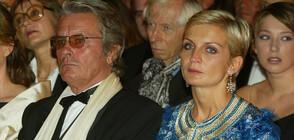 Почина бившата съпруга на Ален Делон (ГАЛЕРИЯ)