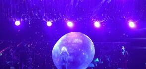 Рок банда изнася концерти благодарение на огромни надуваеми балони (ВИДЕО+СНИМКИ)