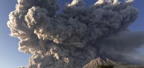Изригна вулканът Синабунг в Индонезия (СНИМКА)