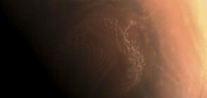 """Китайската станция """"Тянвън-1"""" изпрати кадри от орбитата на Марс (СНИМКИ)"""