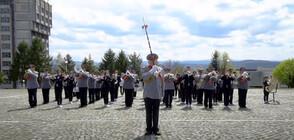 Два оркестъра записаха компилация от военен марш и рап парче (ВИДЕО)