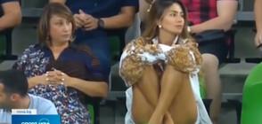 Коментатор запя в ефир заради красива фенка на трибуните (ВИДЕО)