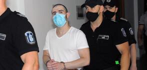 Мъжът, наръгал с нож тийнейджърка, поиска лекарска помощ в съда