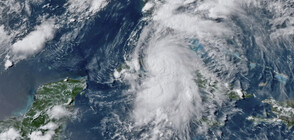 """Тропическата буря """"Елза"""" връхлетя бреговете на Куба"""