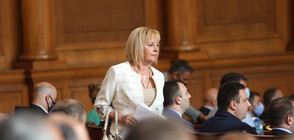 Манолова: Полагаме всички усилия да има правителство на промяната