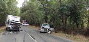 Кола и камион се удариха на пътя Бургас-Приморско, има загинал (СНИМКИ)