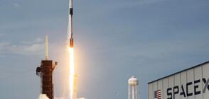 ИСТОРИЧЕСКИ ПОЛЕТ: В космоса излетяха четирима астронавти аматьори