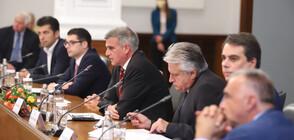 СМЯНАТА НА ВЛАСТТА: Министрите се събраха и на първо заседание (ОБЗОР)