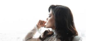КАТО ДВЕ КАПКИ ВОДА: Запознайте се с двойничката на Анджелина Джоли (ГАЛЕРИЯ)