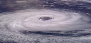 """Ураганът """"Рик"""" приближава Мексико (ВИДЕО+СНИМКИ)"""