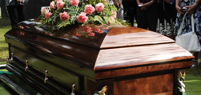 """Канадец се върна вкъщи след """"погребението си"""""""