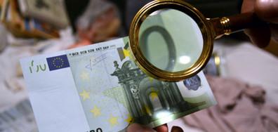 Откриха над 11 млн. фалшиви евро в хотел в Слънчев бряг