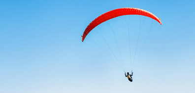 Жена на 102 г. скочи с парашут в Австралия