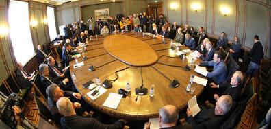 Заседание на парламентарната комисия по отбрана за нов изтребител