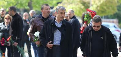 Стотици се сбогуваха с легендата на ЦСКА Красимир Безински