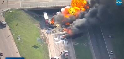 Верижна катастрофа: Коли, камиони и автобус се сблъскаха в Колорадо (ВИДЕО)
