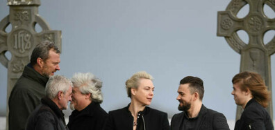 """""""Кренбърис"""" отдават почит към покойната си вокалистка с последен албум"""
