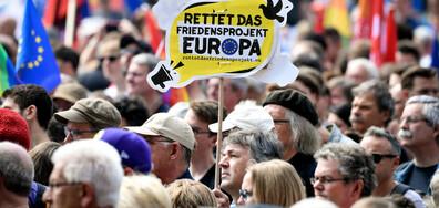 Хиляди излязоха по улиците в Германия и Румъния в подкрепа на ЕС