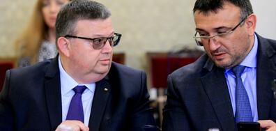 Цацаров и Маринов искат по-тежки наказания за престъпления от омраза