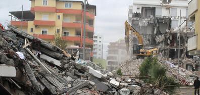 Задържаха 9 души в Албания за рухналите сгради при земетресението