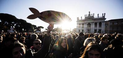 """""""Сардините"""" излязоха на протест в Италия (ВИДЕО+СНИМКИ)"""