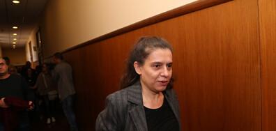 Биляна Петрова се оплака, че не чува