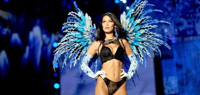 Най-красивата жена с най-съвършеното лице рекламира бельо (СНИМКИ)