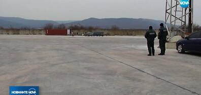 Експерти правят оглед на контейнера с радиоактивни отпадъци във Варна