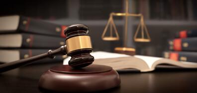 Обвинение и арест за 72 часа за нападналите дете в автобус