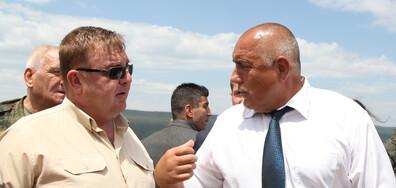 НА ТЪРЖЕСТВЕНА ЦЕРЕМОНИЯ: Борисов връчи бойното знаме на Специалните сили (ВИДЕО)