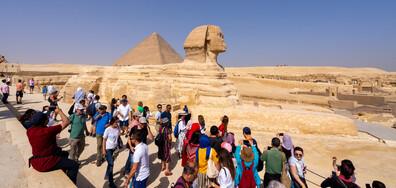 Как посрещат първите туристи в Египет, Малдивите и Испания?