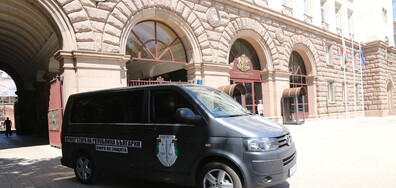 БУРЯ В ДЪРЖАВАТА: Акции и арести в президентството (ОБЗОР)