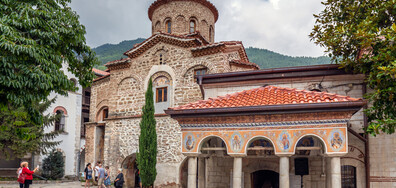 Как Бачковският манастир се подготвя за Успение Богородично? (ВИДЕО)