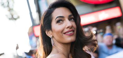 Съпругата на Джордж Клуни напусна демонстративно британския кабинет