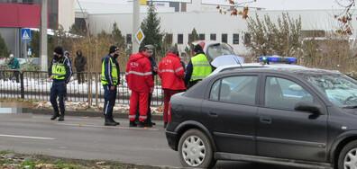 Жена загина, пометена от кола на пешеходна пътека (СНИМКИ)